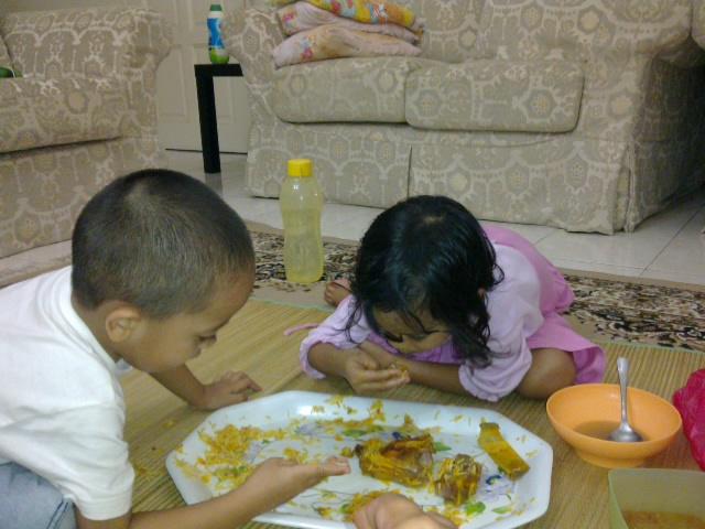 makan dalam talam