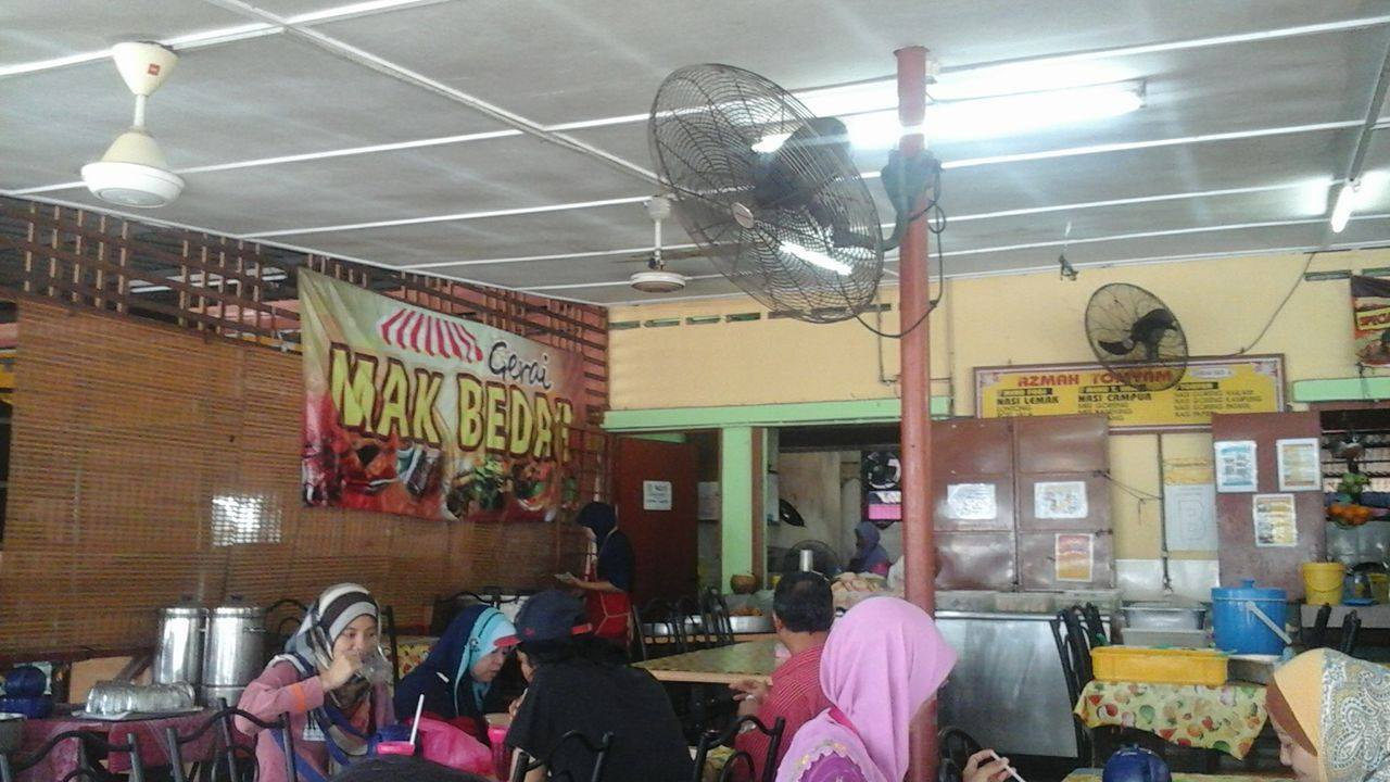 gerai makan tengahari ampang