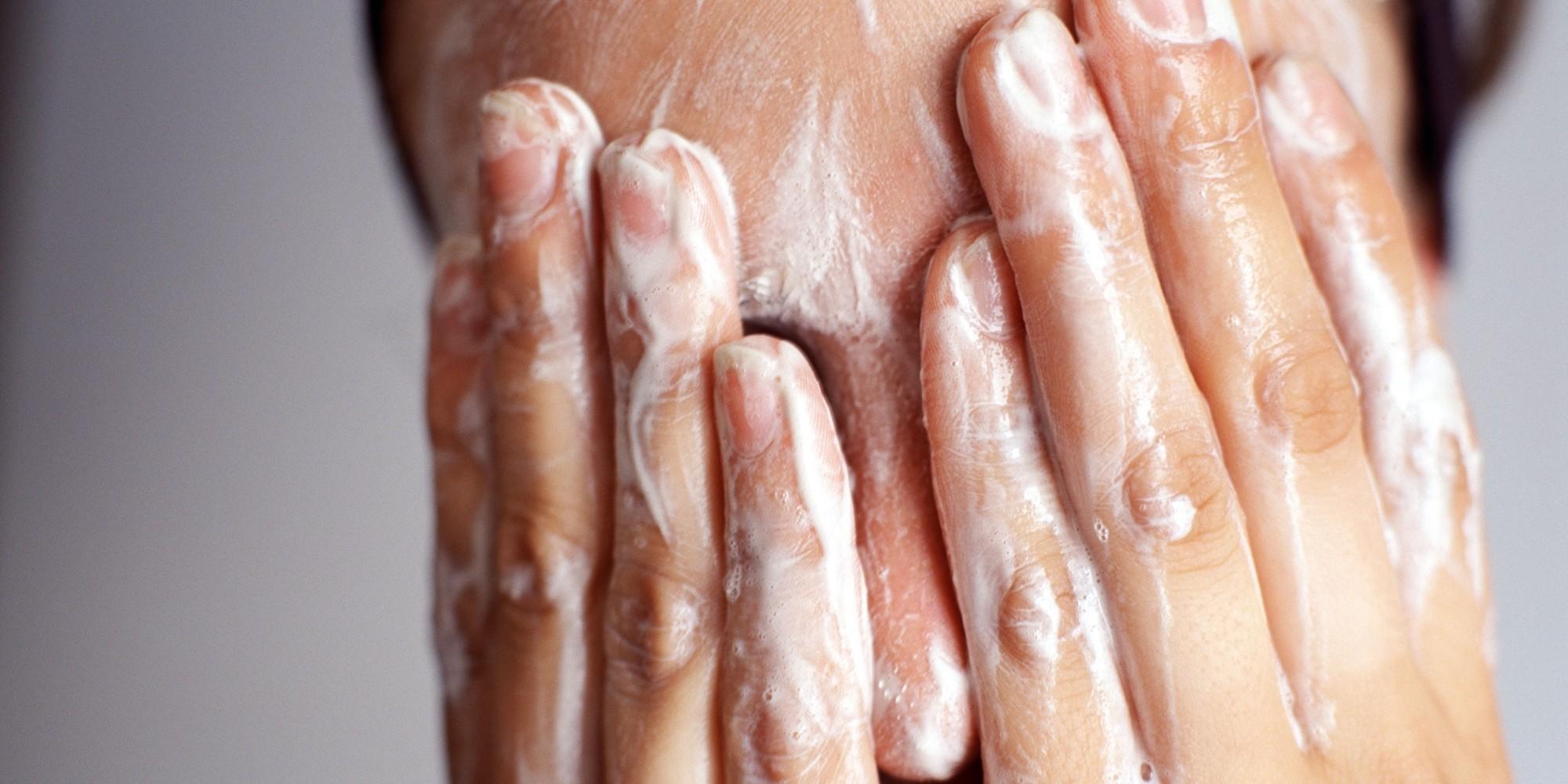 pencuci wajah jerawat
